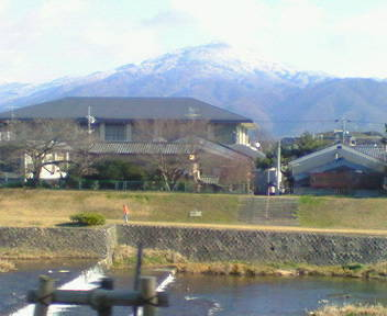 比叡山を眺めながら