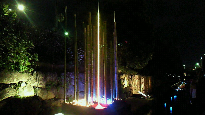 竹と光のアート作品