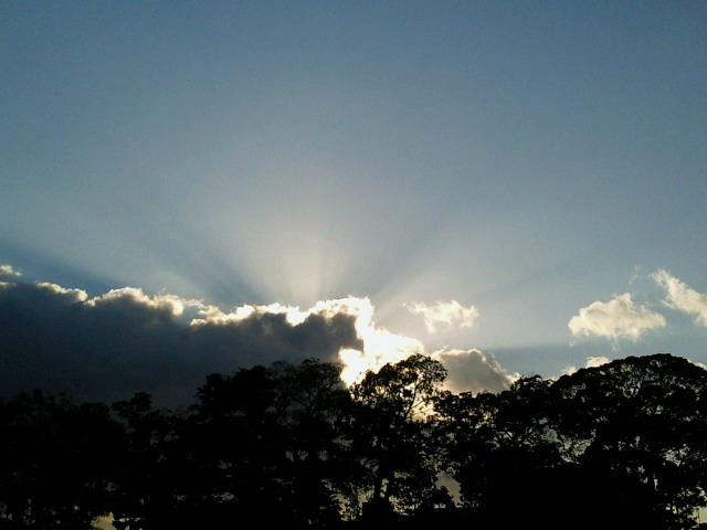 太陽光線と虹